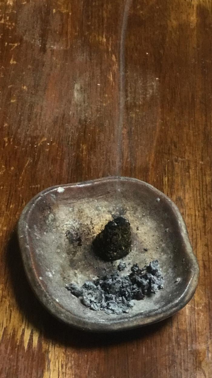 よもぎでお香を作ってみた。タブ粉不使用です