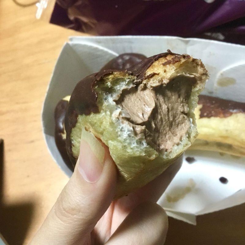生チョコ味のエクレア