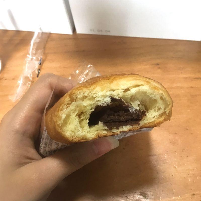 板チョコショコラが入っているデニッシュパンのレビュー