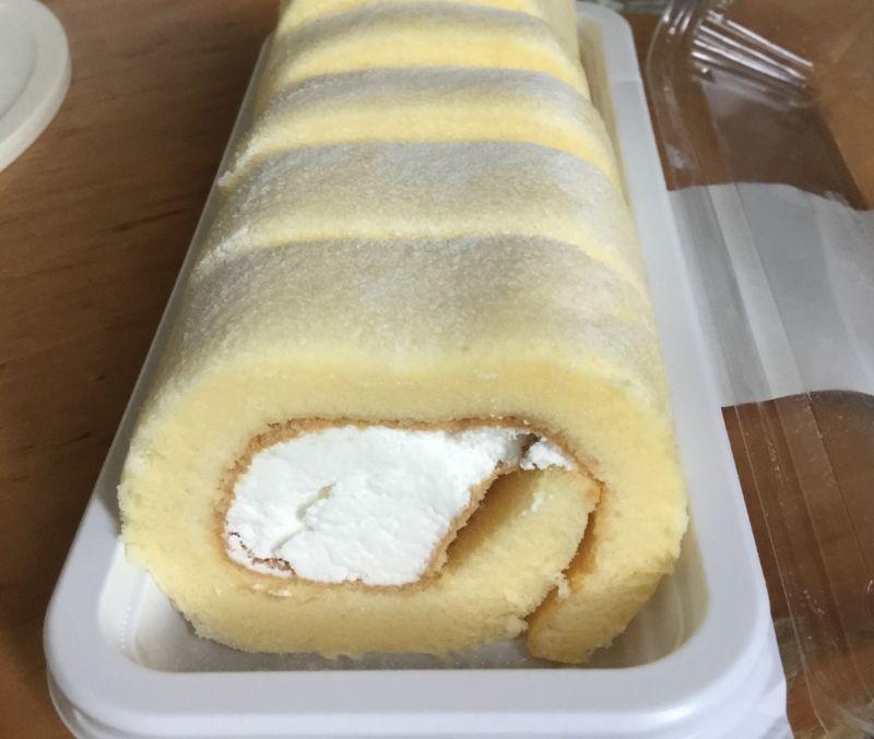薄い生地がしっとり、モチモチのロールケーキ